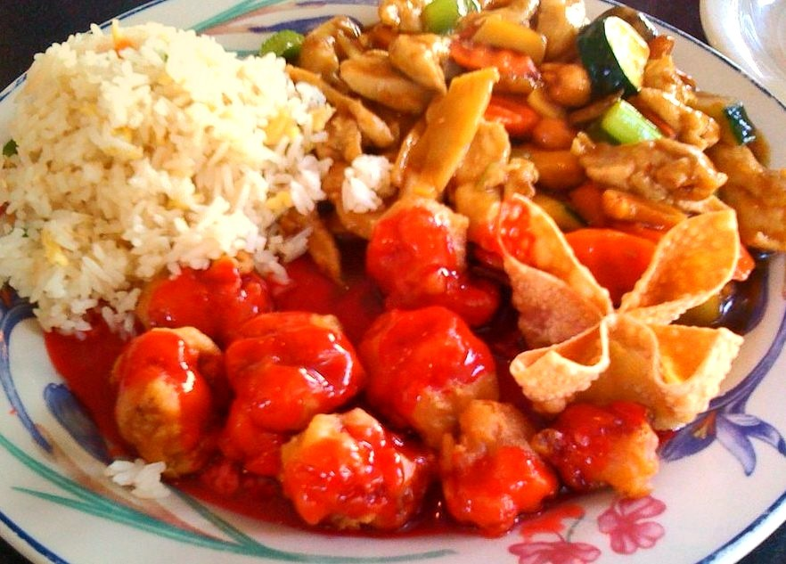 Cashew Chicken & Sweet n Sour Pork (by mooshee85)